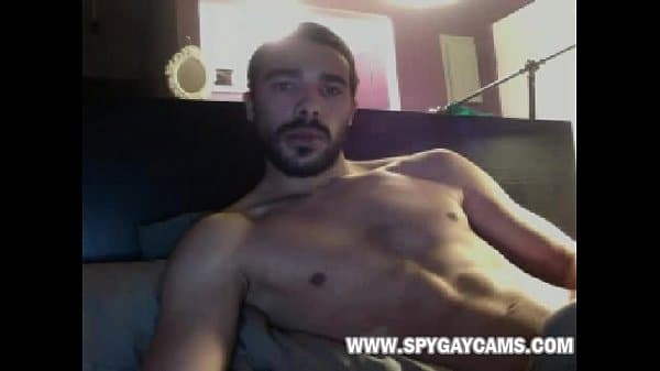 Universitario guapo con una buena polla en webcam