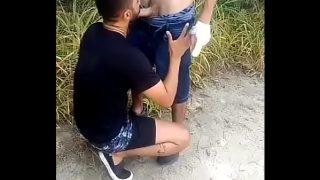 Jovencito que quería dinero para la maryjane me ofrece el culito por unos pesos